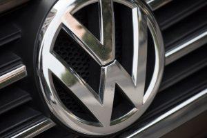 """372 tūkst. Vokietijos vairuotojų ėmėsi teisinių priemonių prieš """"Volkswagen"""""""
