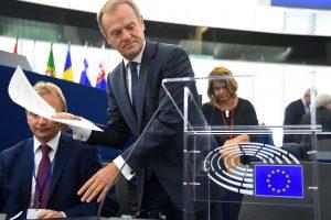 """D. Tuskas: """"Brexit"""" derybos yra sudėtingiausias išbandymas Bendrijai"""