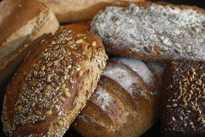 Kodėl į duoną dedama daug cukraus?