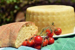 Olandas sūrių gamintojas: ūkininkų sūriai brangesni nei gamyklų
