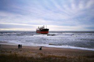 Netoli Klaipėdos uosto ant seklumos užplaukė laivas