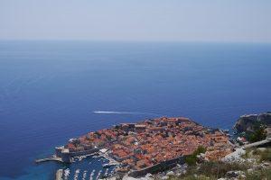 Kroatijoje laivui užplaukus ant valties žuvo mažiausiai du žmonės, keli dingo