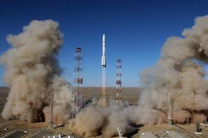 Pietų Korėja išbandė mažo nuotolio balistinę raketą