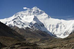 Kinijoje ant Everesto surinktos keturios tonos šiukšlių