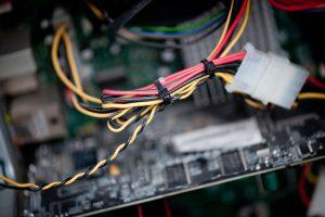 Kur elektronikos prietaisai keliauja iš rūšiavimo konteinerių?