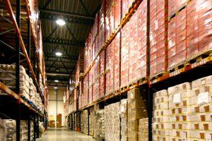 Kiek per metus pabrango eksportuotos ir importuotos prekės?
