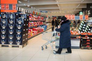 Darbas per šventes: prekybos tinklai prisitaikys prie klientų ir darbuotojų