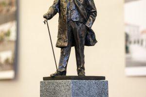 Savivaldybė nesiruošia skelbti naujo J. Basanavičiaus skulptūros konkurso