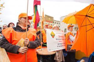 Seimas Darbo kodekso ketvirtadienį nesvarstys, bet profsąjungos mitinguos