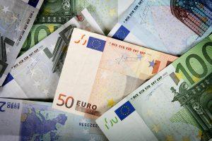 Iš senučių išviliota 1,7 tūkst. eurų