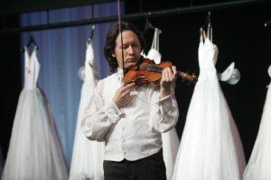 Smuiko virtuozas V. Čepinskis siekia atgauti šeimos relikviją