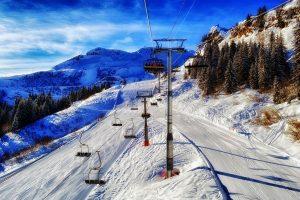 Japonijos slidinėjimo kurorte dingusi australų šeima surasta nenukentėjusi