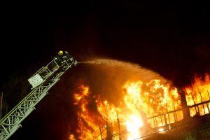 Tragedija Šilutės rajone – sudegė trijų šeimų namas