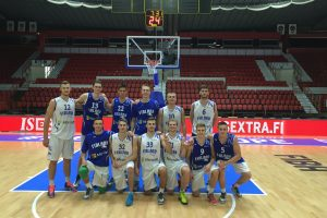 Lietuvos 20-mečiai krepšininkai treniravosi su Suomijos rinktinės aprangomis