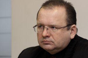 Iš Automobilių kelių direkcijos vėl atleistas D. Zabulionis prašo 15 tūkst. eurų