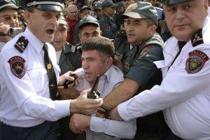 Referendumo rezultatai Armėnijoje išprovokavo opozicijos protestus