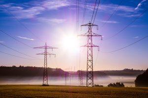 Elektra Lietuvoje nuo balandžio pabrango beveik perpus