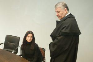 Sąvadautojų byla: paskui vyrą už grotų siunčiama ir žmona