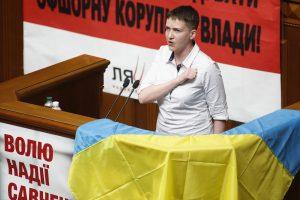 N. Savčenko sugrįžusi į parlamentą sugiedojo savo šalies himną