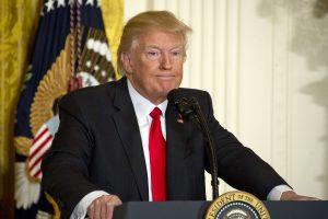 Kariauti nenorintis D. Trumpas ketina sustiprinti JAV kariuomenę