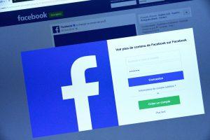 """""""Facebook"""" uždraudė kriptovaliutų reklamą"""