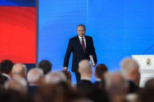 V. Putinas ketina mažinti karines išlaidas