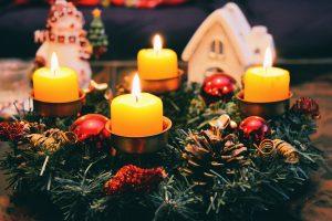 Kokius atvirlaiškius lietuviai renkasi šventėms?