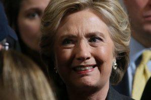 H. Clinton pasisiūlė dirbti kartu su D. Trumpu