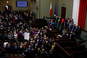 Lenkijos žiniasklaida susidūrė su netikėtomis kliūtimis parlamente