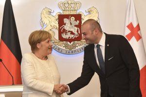 Gruzijos premjeras: būtinai įstosime į NATO ir ES