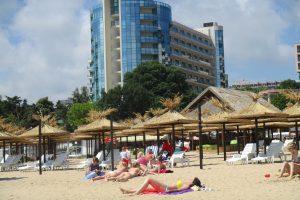 Auksinės kopos: švarus paplūdimys, nedidelės kainos, dainas traukiantys vokiečiai