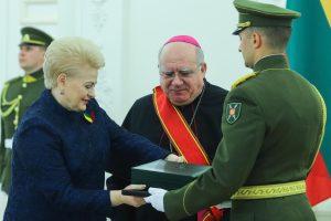 Prezidentūroje įteikti valstybiniai apdovanojimai
