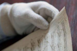 W. A. Mozarto rankraščio per aukcioną Paryžiuje parduoti nepavyko