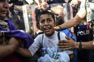 Pabėgėliai įkliūna į prekybos žmonėmis verpetus
