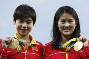 Olimpiados šuolių į vandenį varžybose – Kinijos sportininkių triumfas