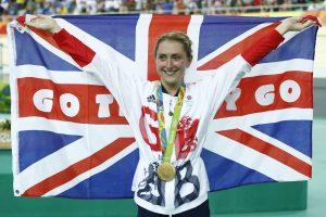 Didžiosios Britanijos treko dviratininkė apgynė olimpinės čempionės titulą