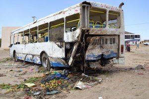 Tunise sunkvežimiui įsirėžus į autobusą žuvo mažiausiai 16 žmonių