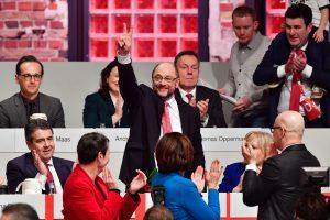 Vokietijos centro kairieji patvirtino M. Schulzą A. Merkel varžovu