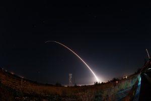 JAV išbandė tarpžemyninę balistinę raketą