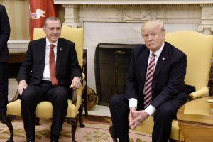 JAV ir Turkijos prezidentai pabrėžia draugystę, nepaisant nesutarimų dėl kurdų