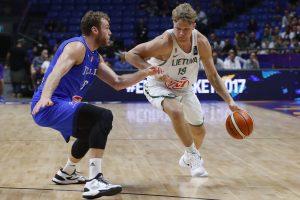 Lietuvos krepšininkai parklupdė be pralaimėjimų žengusią Italiją