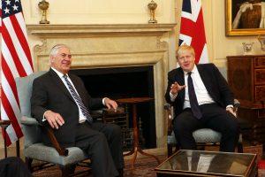R. Tillersonas teigiamai įvertino JAV ir Didžiosios Britanijos santykius
