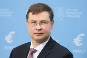 """V. Dombrovskis: Briuseliui reikia visiems tinkamos """"Brexit"""" sutarties"""