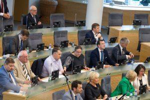 Seime – intrigos dėl sesijos pratęsimo