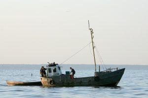 Pervalkoje gyvenantys broliai išlaikė senovines žvejybos tradicijas
