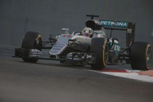 Pratybose prieš lemiamas lenktynes Abu Dabyje greičiausias buvo L. Hamiltonas