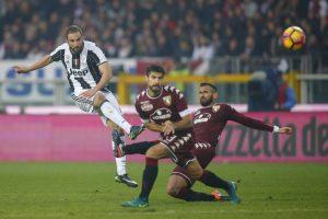 """Turino """"Juventus"""" padidino atotrūkį Italijos lygoje"""