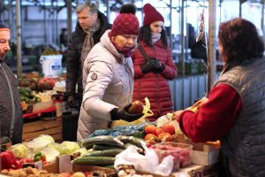 Žaliakalnio turgaus prekeivė: net ir prieš šventes niekas neperka žąsų ir ančių