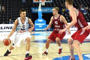 Rusijos krepšininkai pasirodymą Europos čempionate baigė pergale prieš bosnius