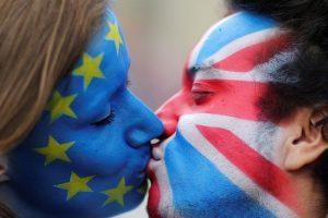 """Suderinus išstojimo sąlygas britai gali dar kartą balsuoti referendume dėl """"Brexit"""""""